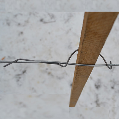 Stabfix - fastening a wooden lath to the wire